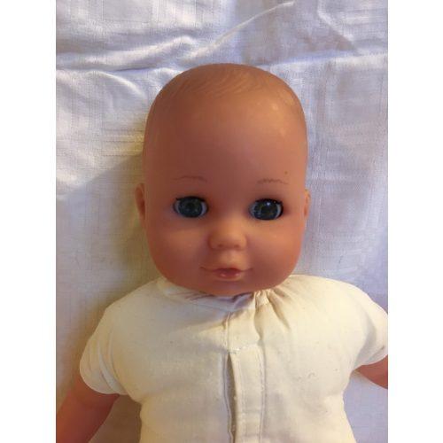 Kék szemű baba