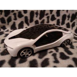 Fehér autó (24)