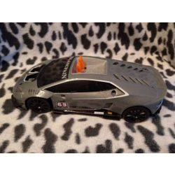 Autó (517)