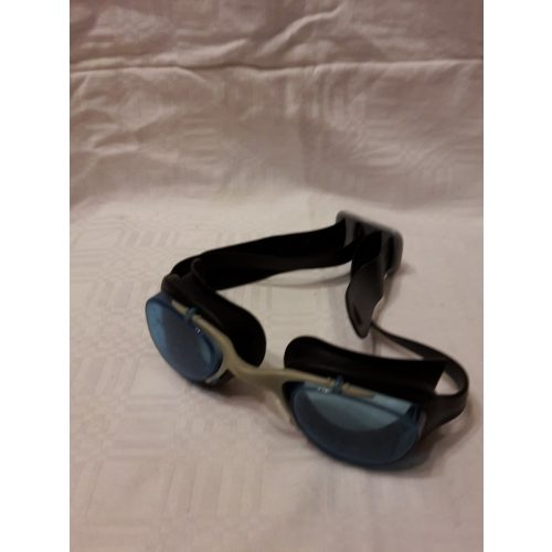 Gyerek úszószemüveg 2
