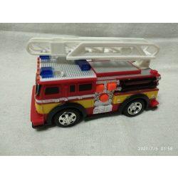 Tűzoltóautó (9)