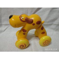 Gurulós kutya (8)