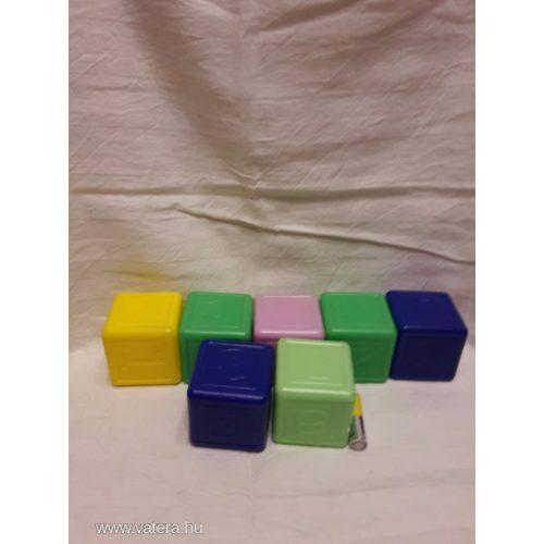 7 db-os műanyag kocka csomag építőjáték