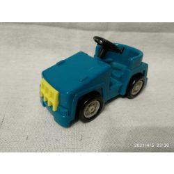 Kis kék autó (75)