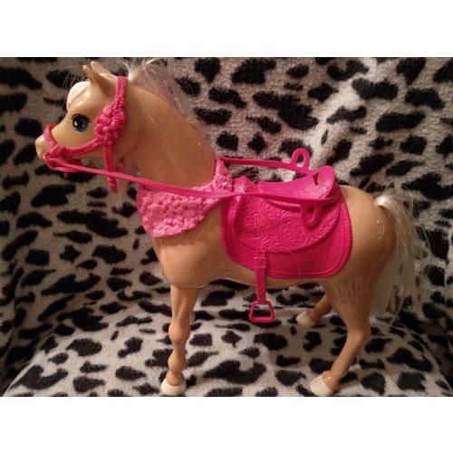Táncoló Barbie ló