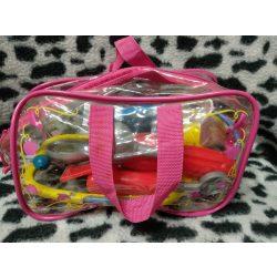 Orvosi felszerelés kis táskában  (31)