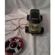 Zöld távirányítós/elektromos autó