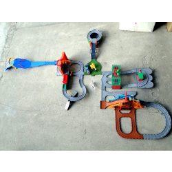 Thomas a gőzmozdony szett kiegészítőkkel