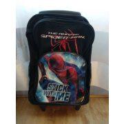 Pókemberes gurulós táska