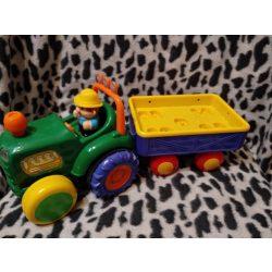 Zenélő, hangot adó, önjáró traktor (453)