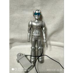 Beszélő ezüst robot (5)
