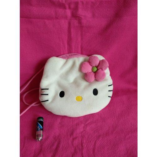 Hello Kitty kistáska csajos apróságokkal