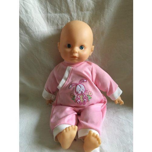 Nyuszis ruhás kék szemű baba