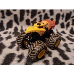 Méhecske autó (445)