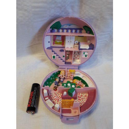 Mini Polly Pocket ház 4 mini Polly Pocket babával