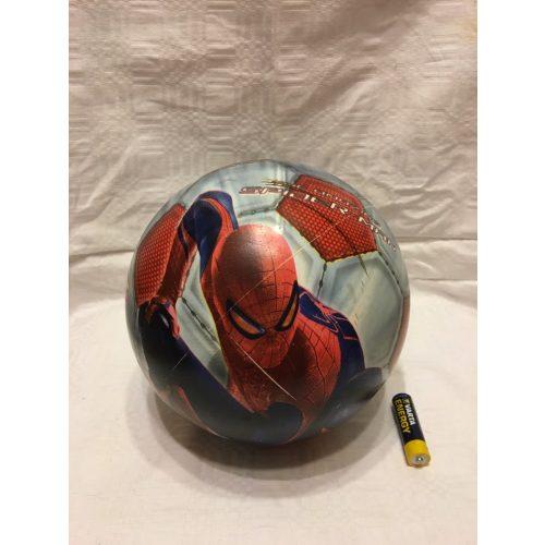 Pókemberes labda