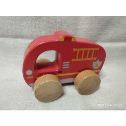 Fa tűzoltóautó (9)
