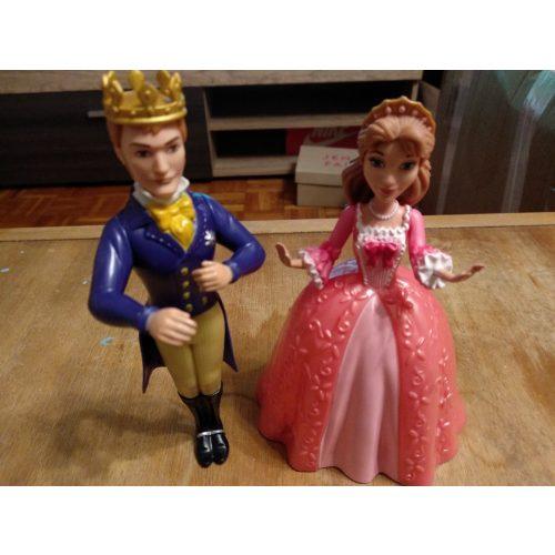 Királyi pár figurák