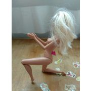Tapsoló Barbie