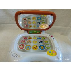 Zenélő, világító baba laptop (31)